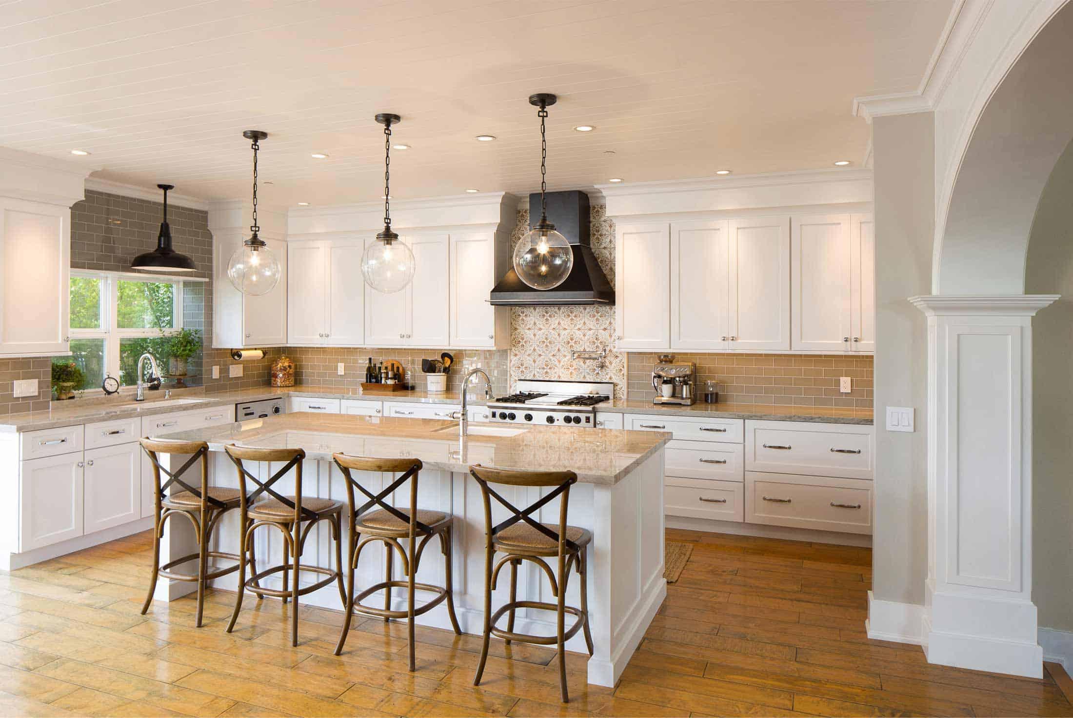 designer-kitchen-in-artic-white